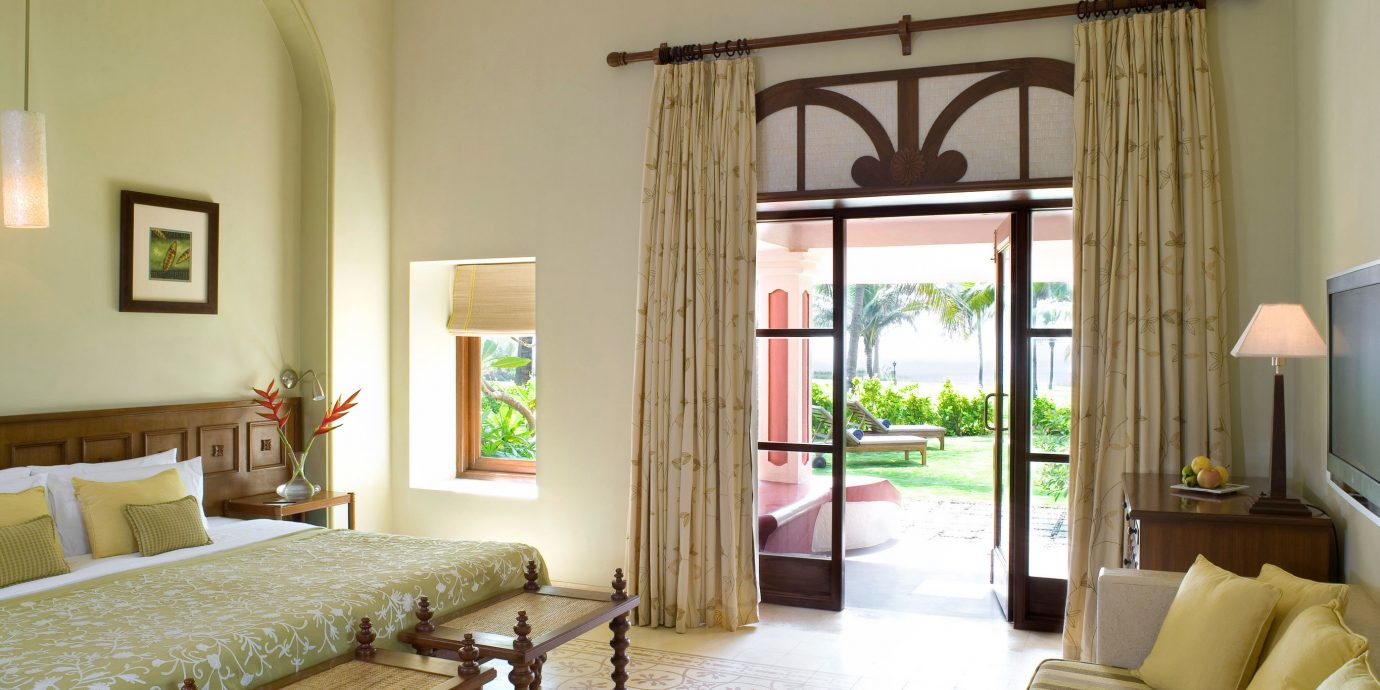 Bedroom Suite property living room condominium home Villa cottage farmhouse mansion