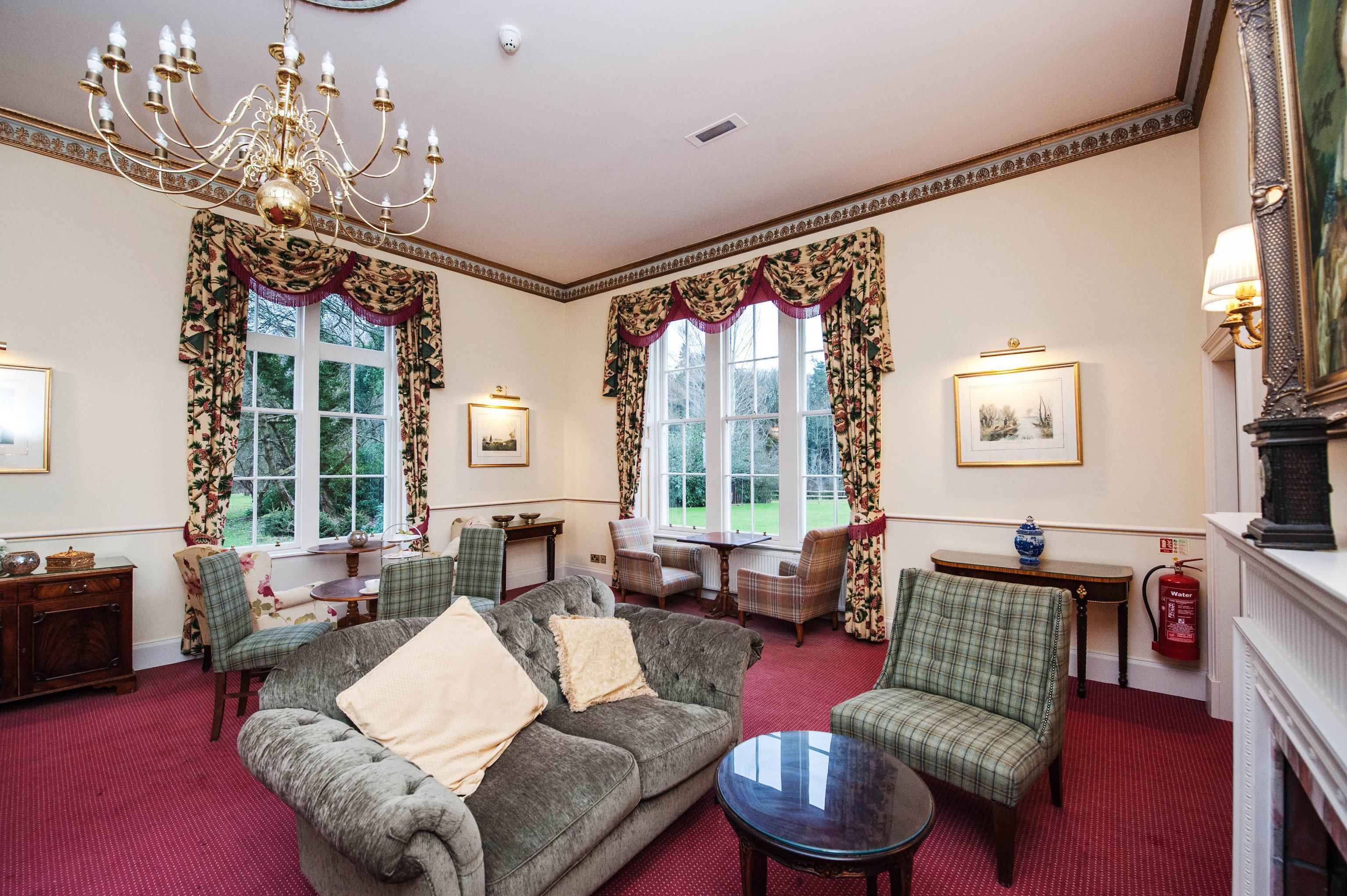 sofa living room property home mansion cottage Suite Villa condominium Bedroom