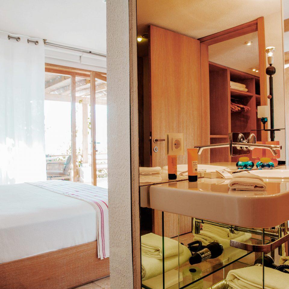 property Suite home cottage Villa condominium Bedroom