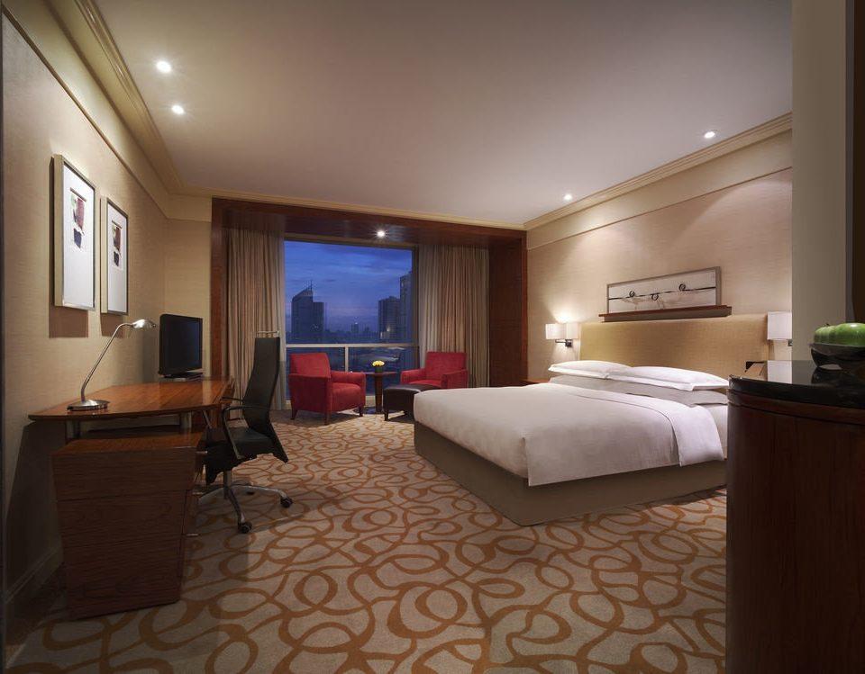 property Bedroom Suite condominium living room Villa lamp