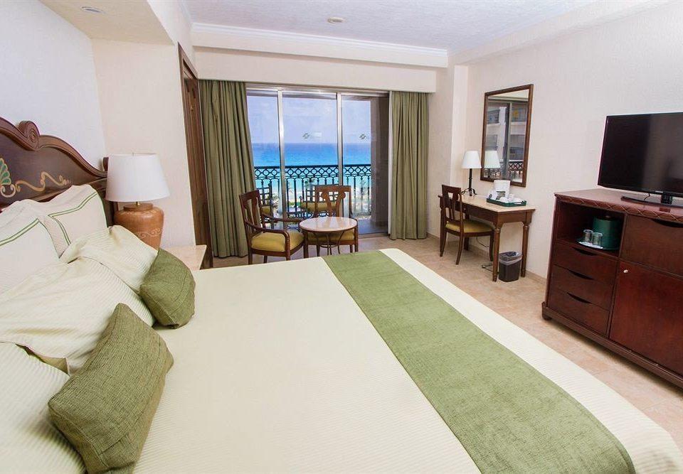 property condominium Suite home cottage living room Bedroom Villa flat