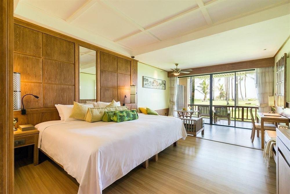 Bedroom property living room home Suite hardwood condominium mansion Villa wood flooring cottage