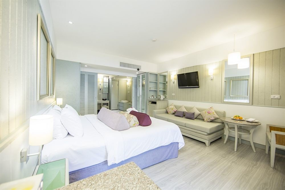 property Bedroom scene Suite condominium cottage living room Villa