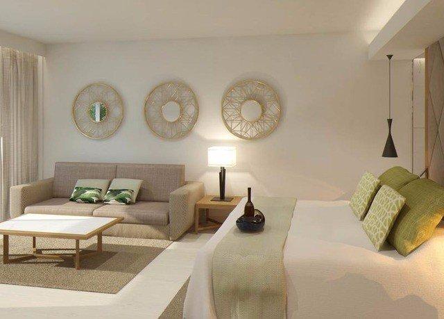 property living room Suite Bedroom home cottage condominium Villa