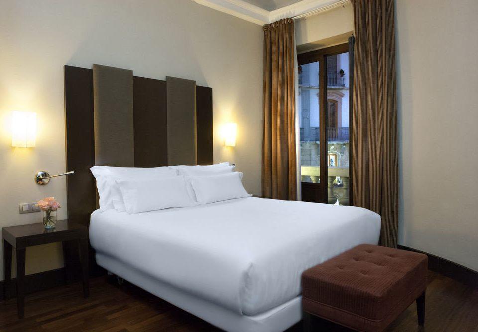 property Bedroom Suite white cottage Villa condominium