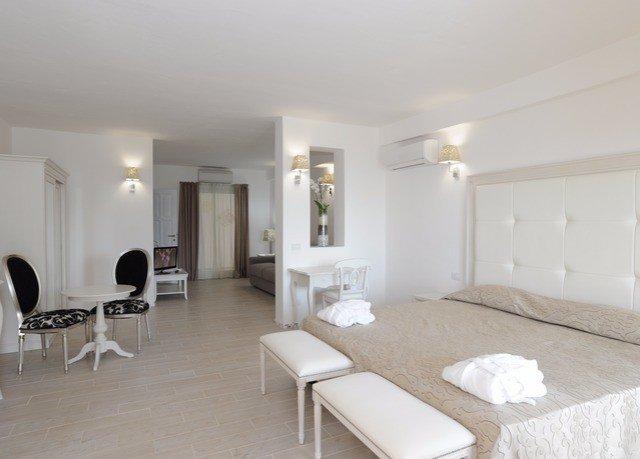 property living room Suite Villa cottage condominium Bedroom