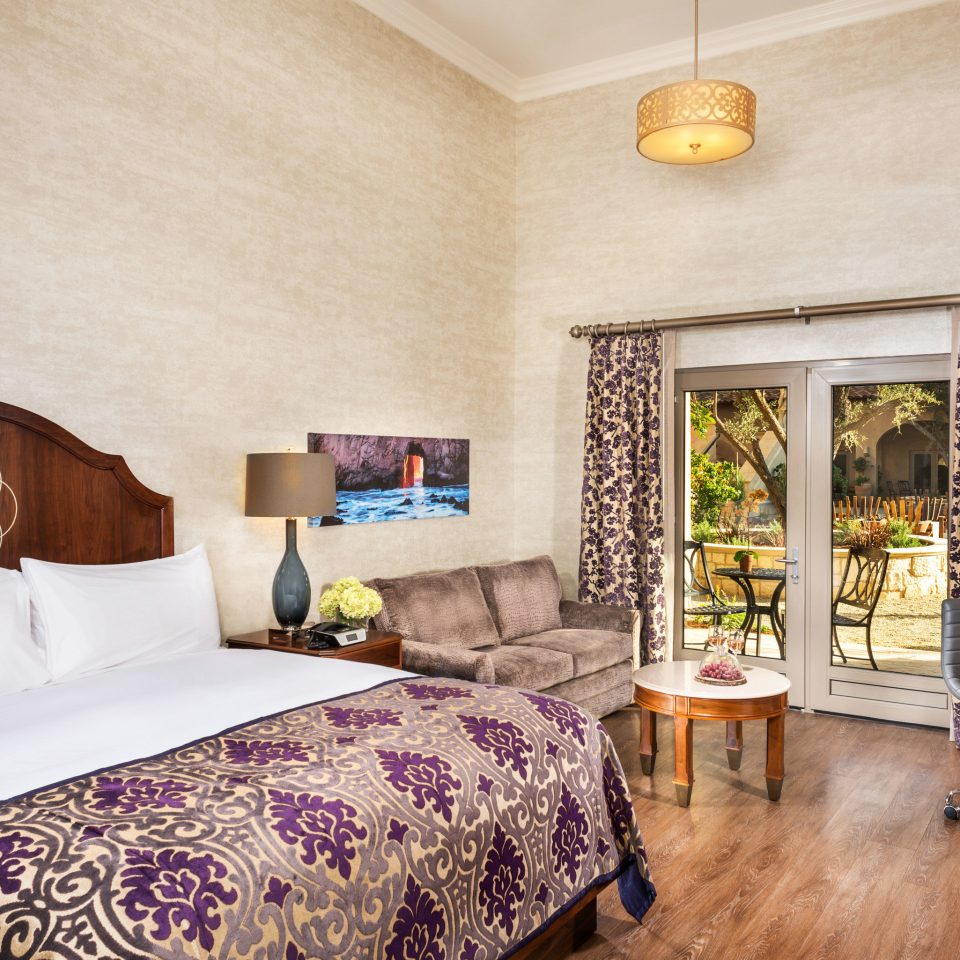 property Bedroom living room Suite home cottage hardwood farmhouse Villa containing