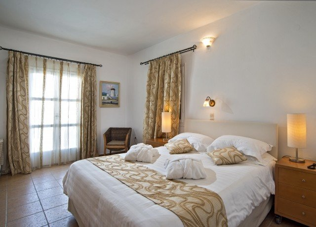 Bedroom property cottage Suite Villa farmhouse containing