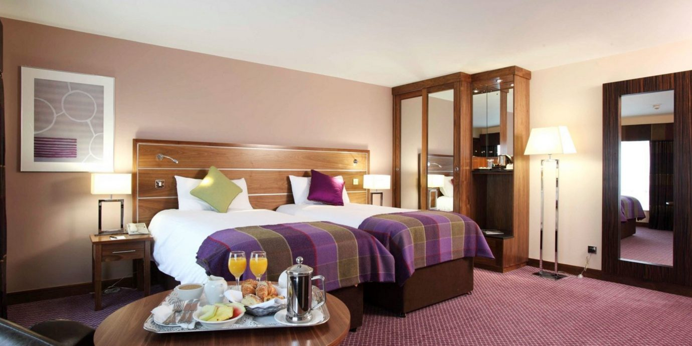property Suite Bedroom cottage purple Villa living room