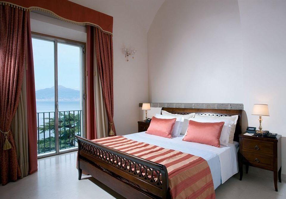 sofa Bedroom property red Suite cottage Villa