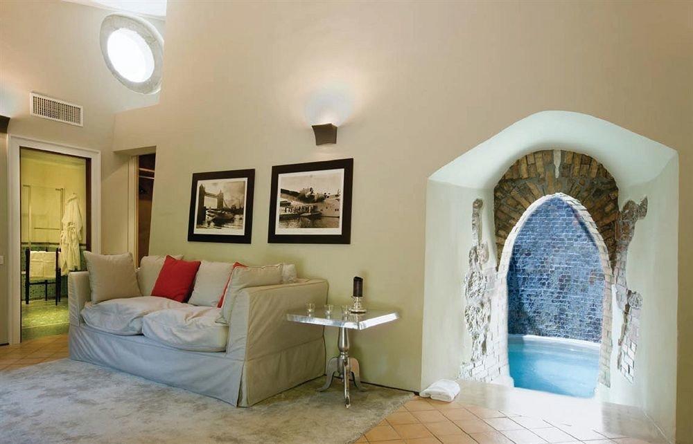 property Bedroom home cottage Villa living room mansion Suite farmhouse