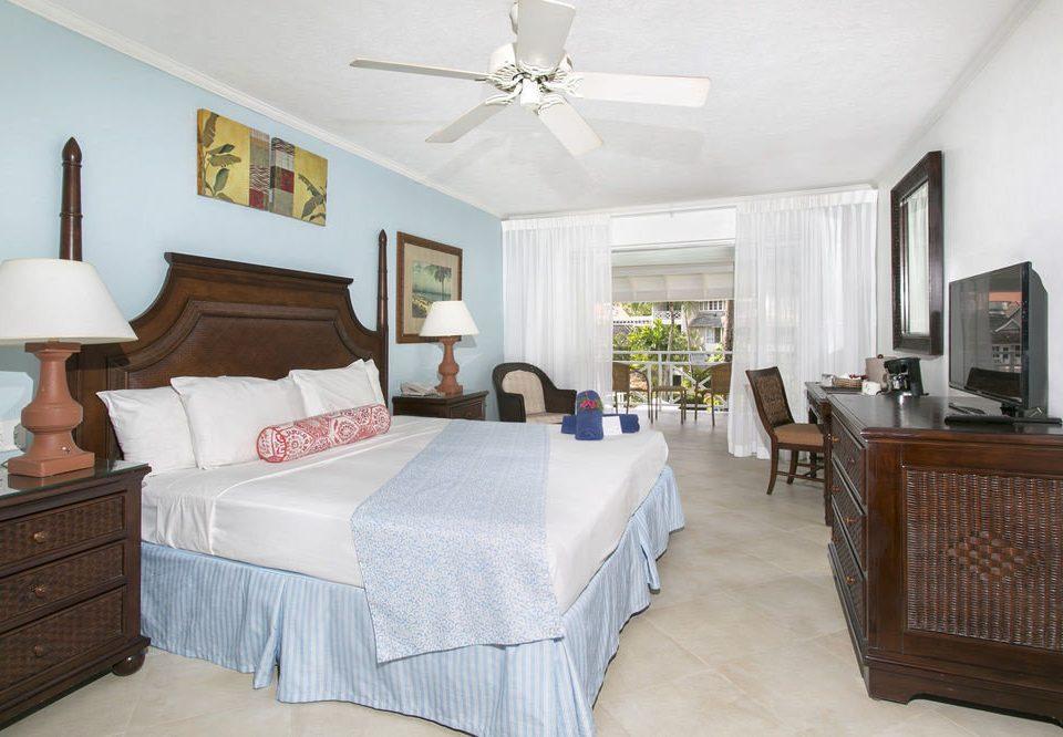 property Bedroom cottage Suite home hardwood living room farmhouse Villa