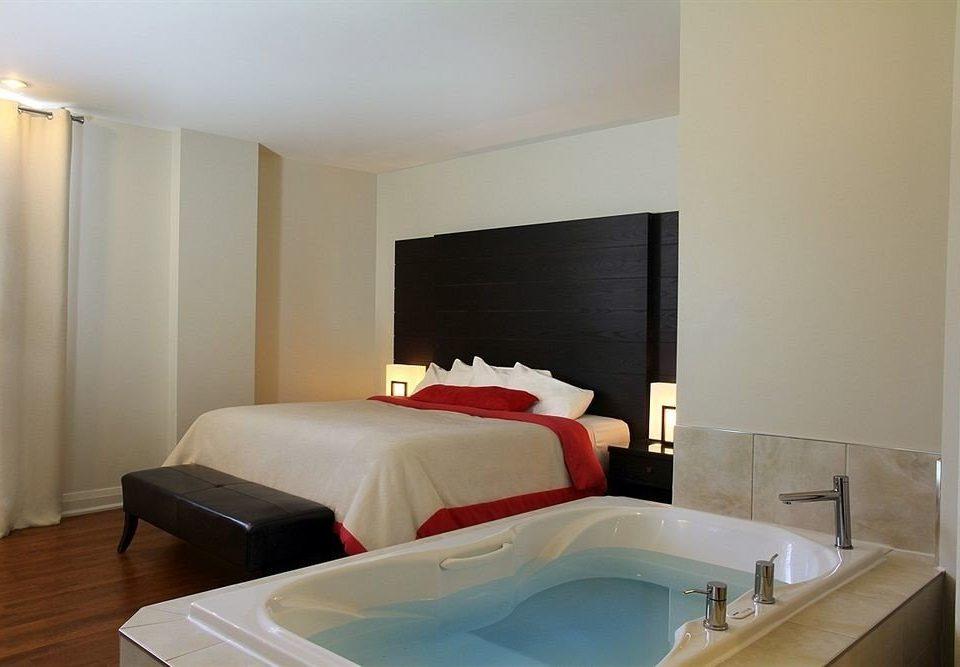 property Suite Bedroom cottage swimming pool Villa