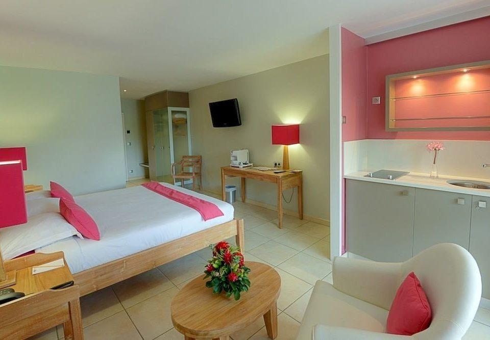 property Suite cottage pink Villa Bedroom lamp flat