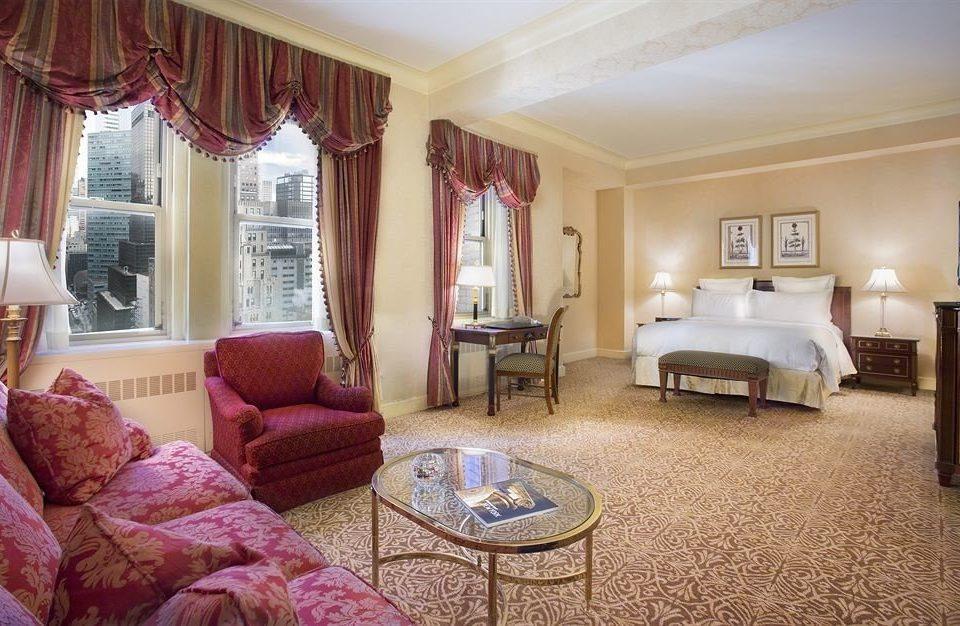sofa property Bedroom living room Suite home cottage mansion Villa