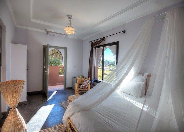 property Bedroom cottage Suite home Villa living room