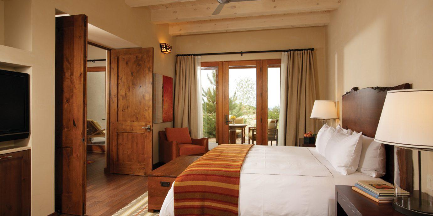 property Suite Bedroom cottage hardwood home living room Villa farmhouse flat