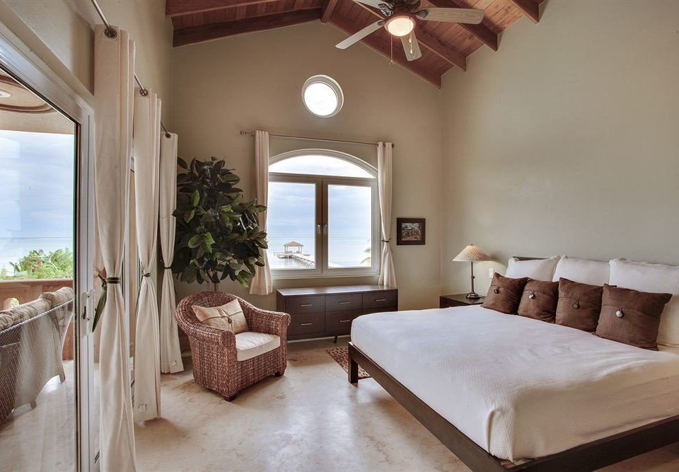 property Bedroom home cottage Villa Suite farmhouse living room mansion