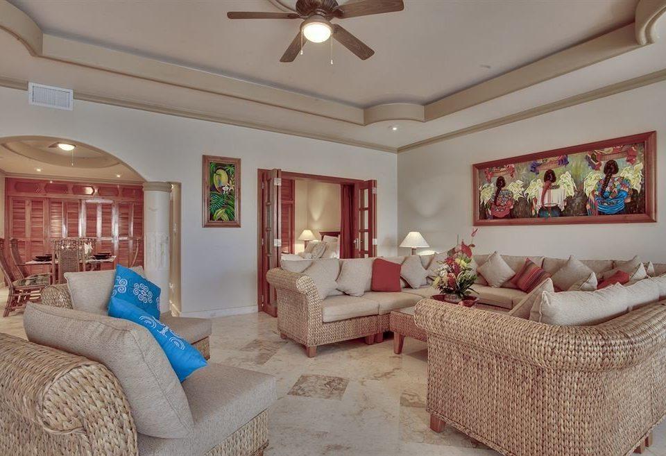 sofa property living room home Bedroom cottage Suite mansion Villa