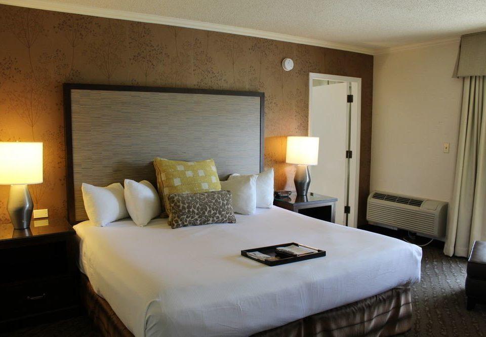 Bedroom property Suite cottage Villa pillow tan