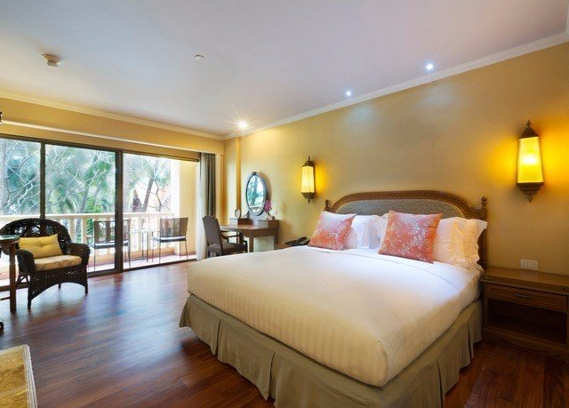property Bedroom Suite hardwood cottage Villa