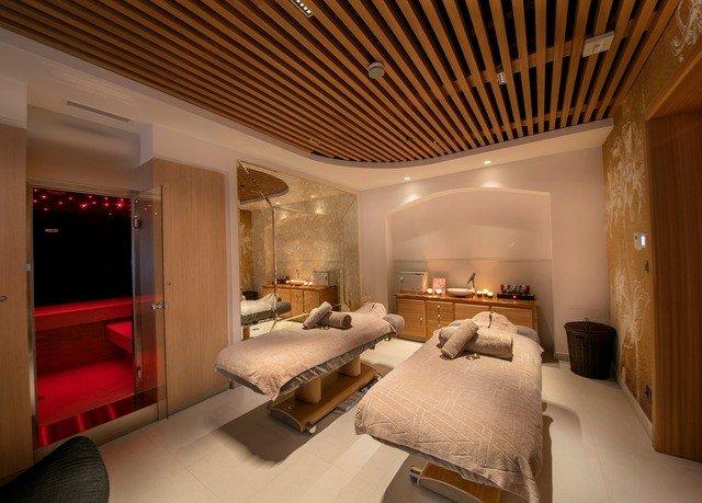 property living room home Suite cottage Bedroom Villa