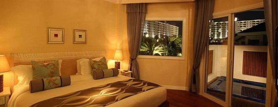 property Bedroom Suite cottage home living room mansion Villa