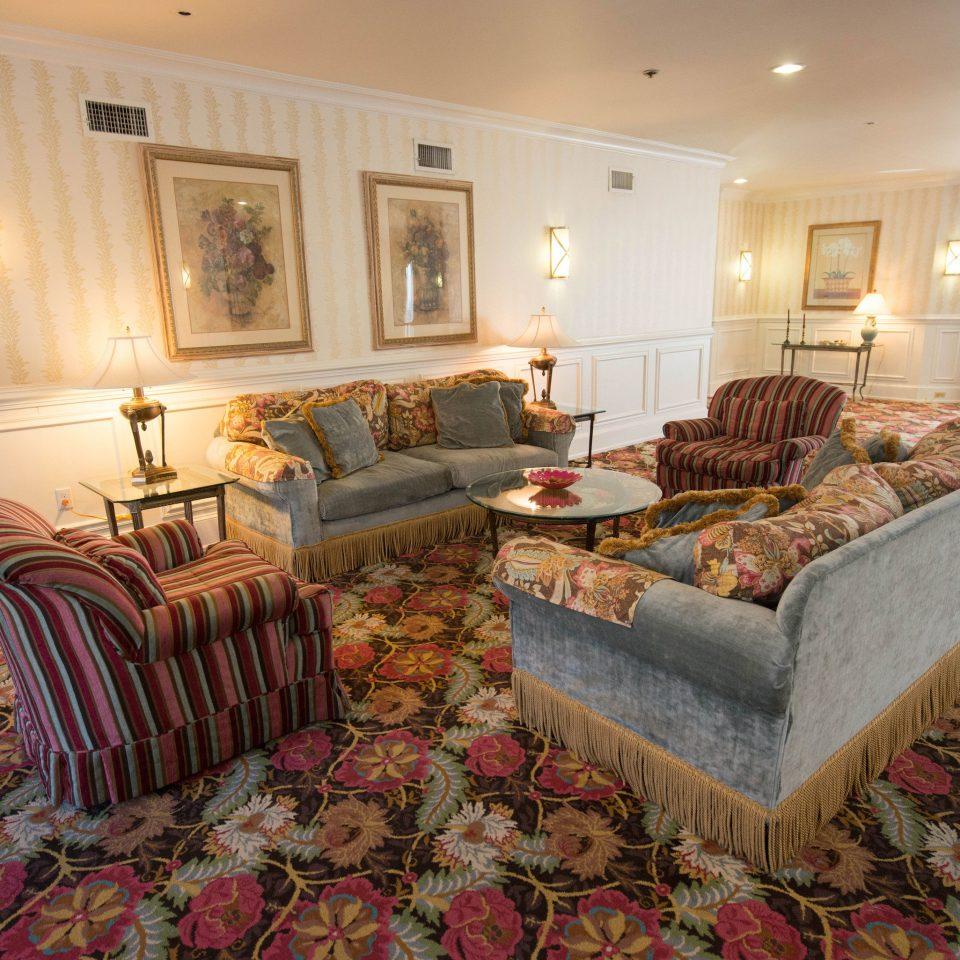 sofa property living room home Suite cottage mansion rug Villa Bedroom