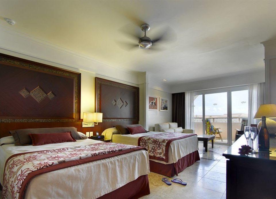 Bedroom property Suite home living room cottage Villa lamp