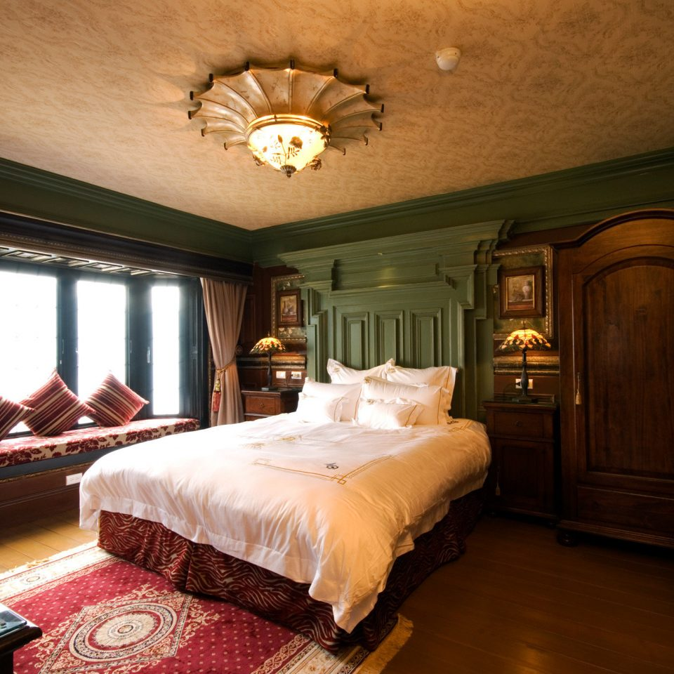property Bedroom Suite home cottage living room mansion Villa