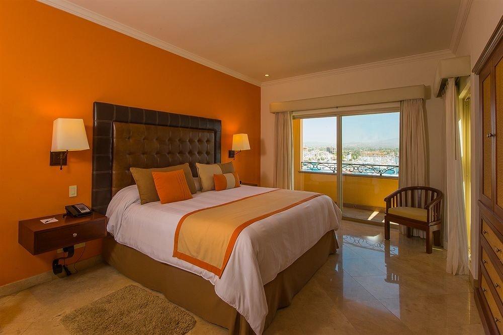 Bedroom property Suite cottage hardwood Villa lamp
