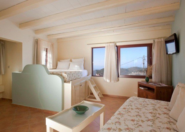 property Bedroom cottage Suite Villa home living room