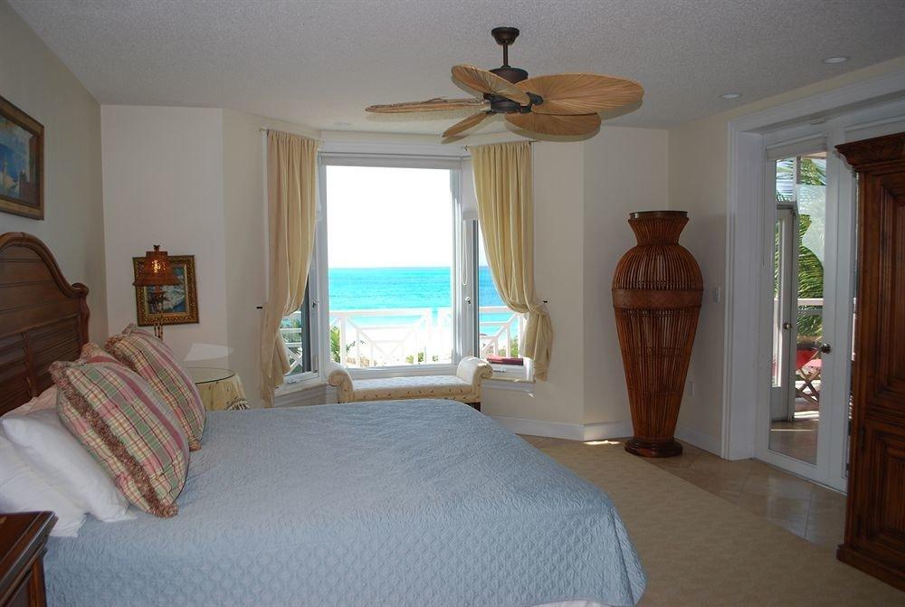 property Bedroom cottage home hardwood Villa Suite
