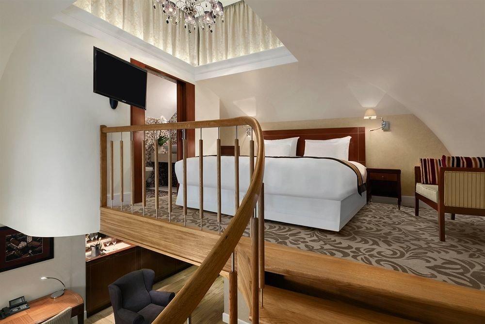 property house Villa living room Bedroom hardwood cottage home Suite mansion farmhouse