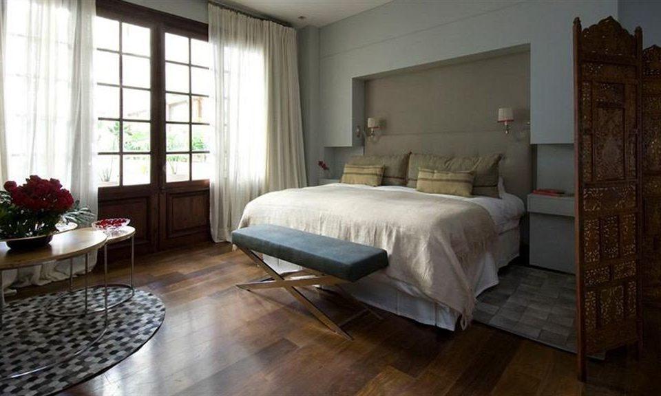 property Bedroom hardwood cottage home living room Suite Villa mansion farmhouse