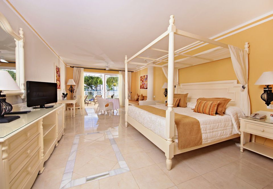 property Bedroom home cottage hardwood living room Suite Villa hard