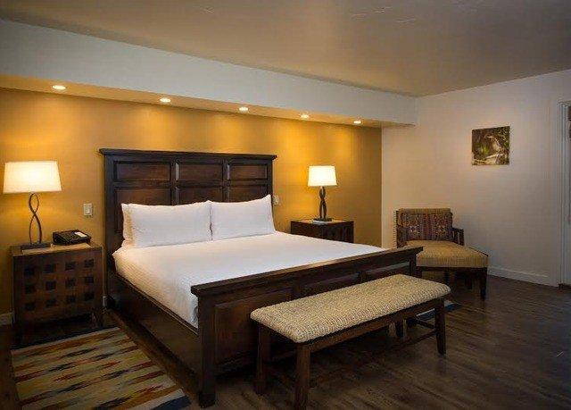 property Bedroom Suite hardwood Villa cottage