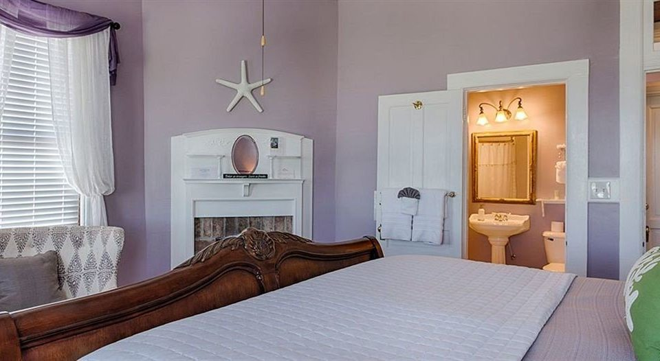 property Bedroom cottage home Suite living room Villa