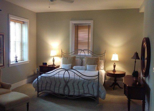 property Bedroom Suite cottage home living room hardwood Villa