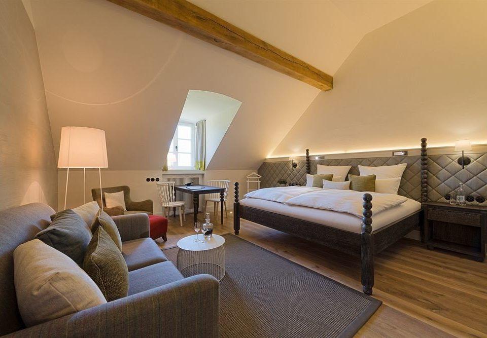sofa property Suite living room cottage Villa Bedroom