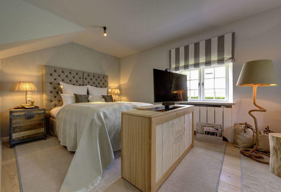 Bedroom property Suite cottage home hardwood Villa farmhouse