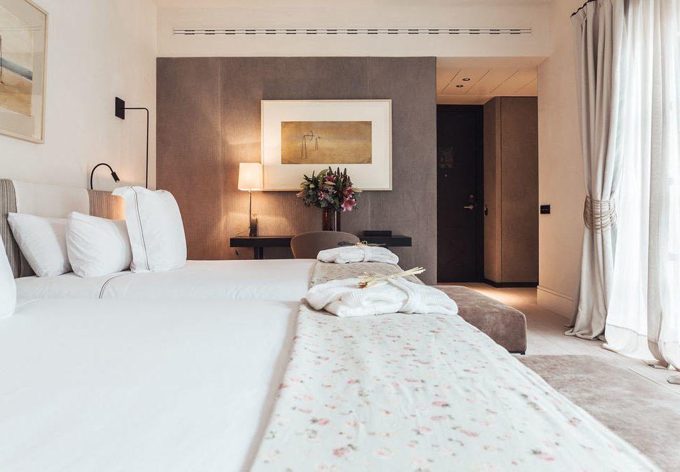 property Bedroom white Suite cottage pillow Villa
