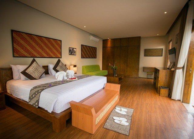 property wooden Suite cottage hardwood Bedroom home Villa hard