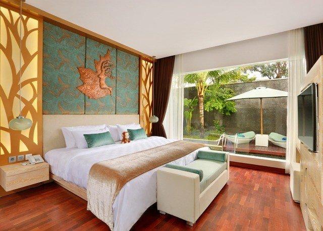 property Bedroom living room Suite hardwood Villa cottage