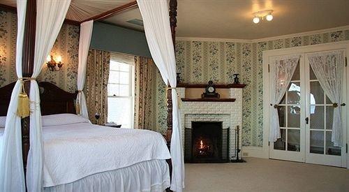 property Bedroom cottage Villa home farmhouse Suite mansion