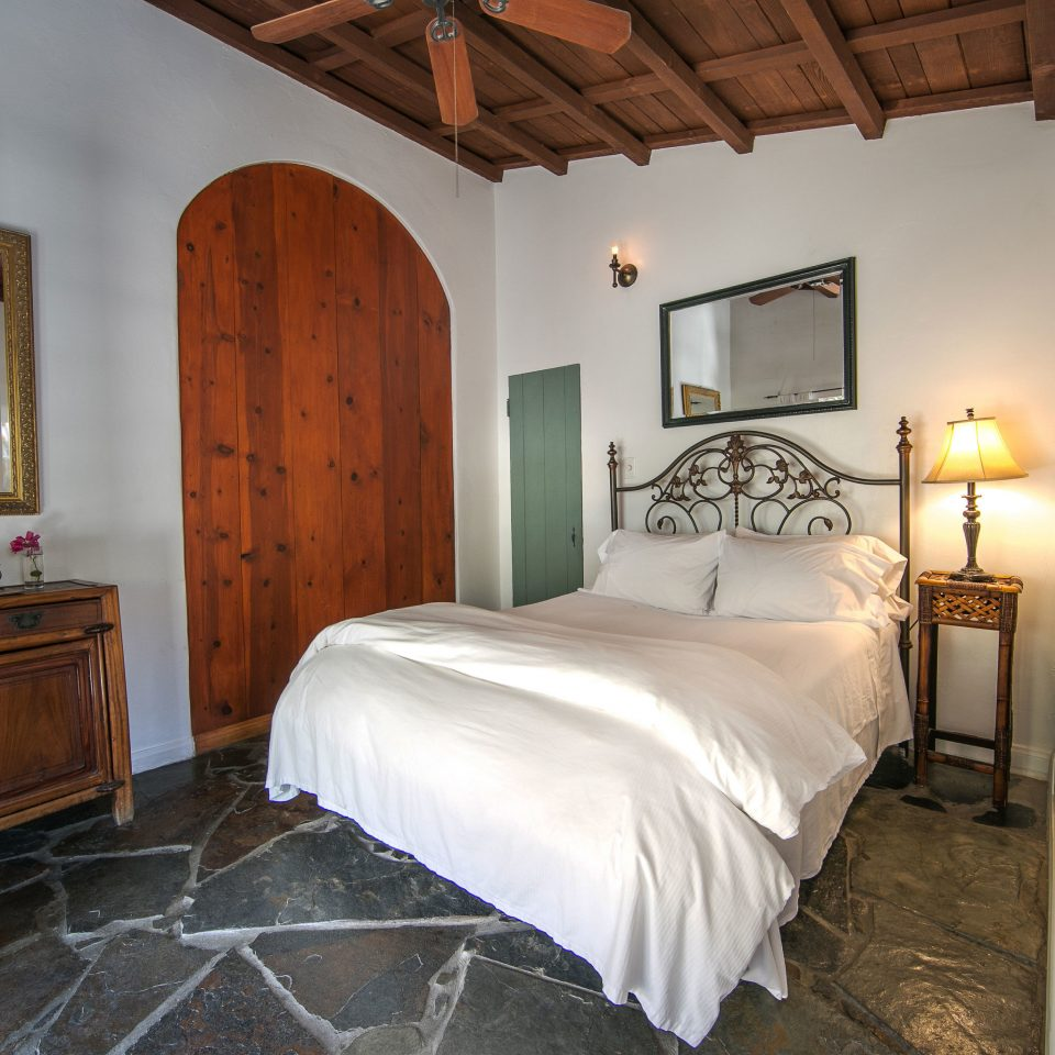 Bedroom property house cottage home farmhouse Villa Suite