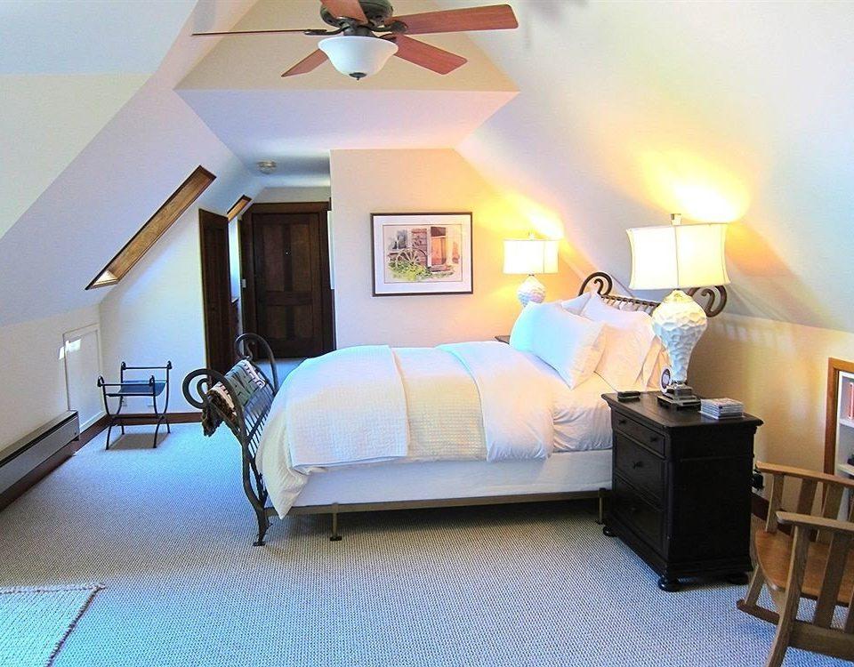 property Bedroom Suite cottage living room home Villa