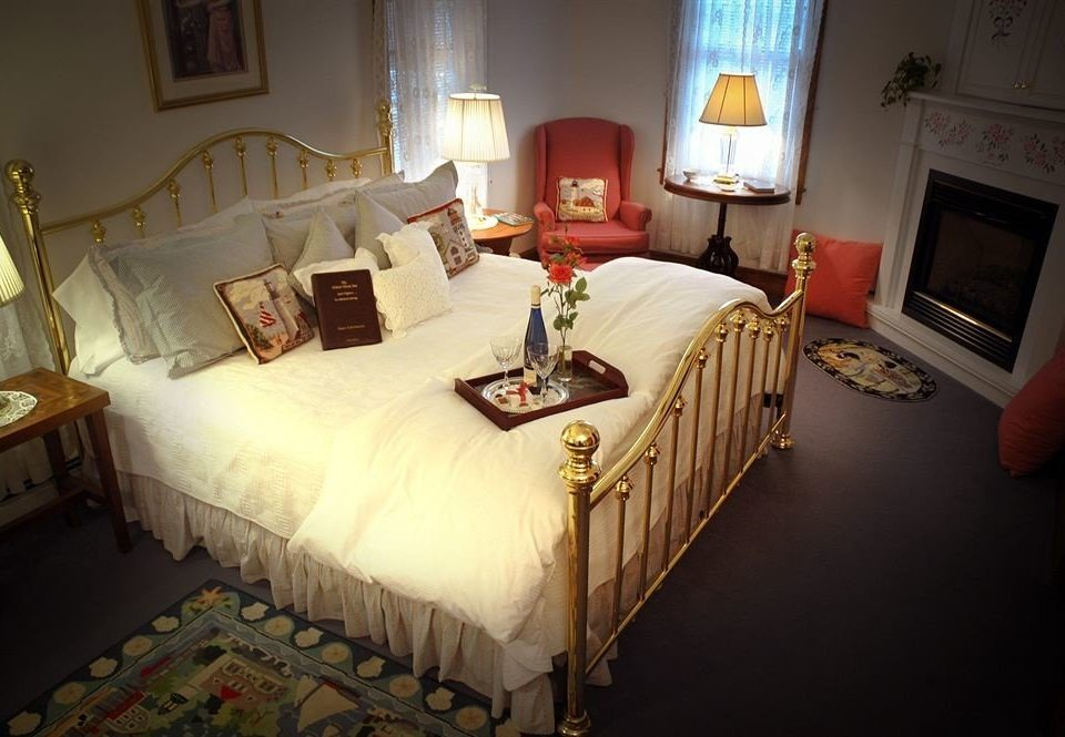 property Bedroom house cottage Suite home Villa mansion