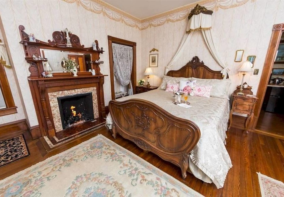 property living room Bedroom mansion home cottage hardwood Suite flooring Villa