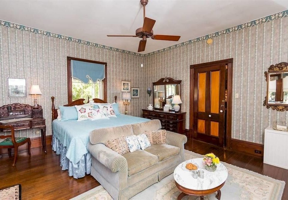 property living room Bedroom cottage home Villa Suite hardwood farmhouse mansion